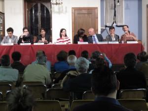 Il tavolo con i candidati a sindaco di Firenze