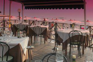 ristorante-terrazza vuoto