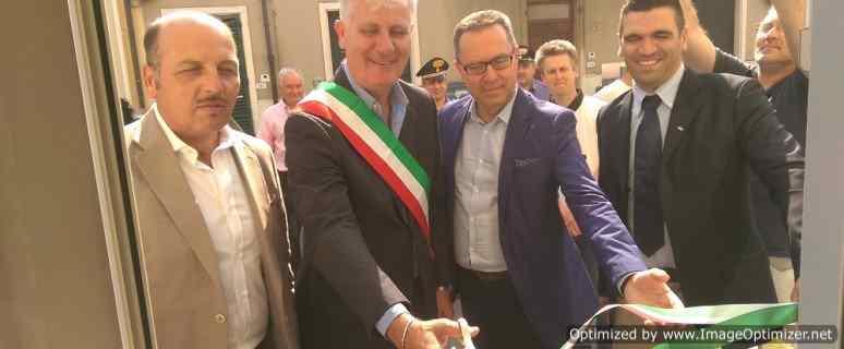 Il taglio del nastro del sindaco di Monsummano.