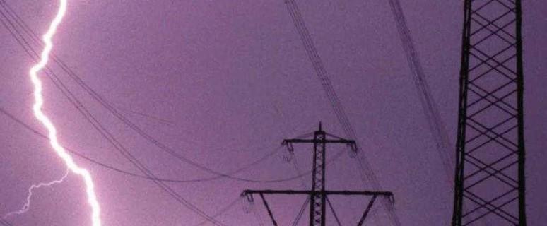 linea elettrica fulmine