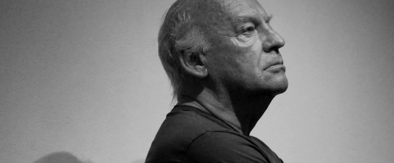 Foto dello scrittore uruguayano Eduardo Galeano, strenuo difensore dei diritti umani.