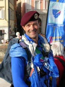 il-comandante-della-sezione-paracadutismo-paolo-filippini-rid