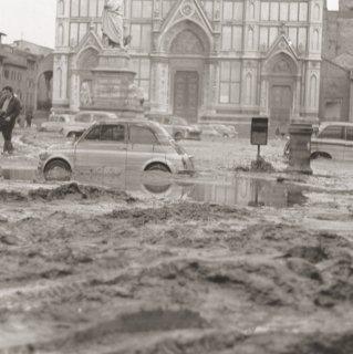 antonio-betti-archivio-firenze-promuove-alluvione-1aa008