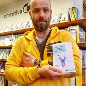 Emiliano Fantuzzi col suo libro