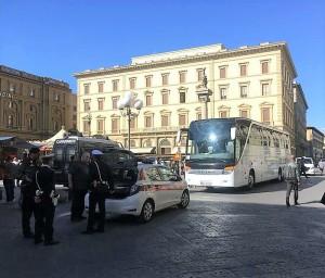 2017 Bus turistico piazza repubblica