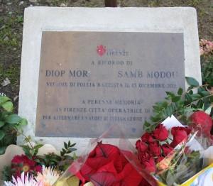 Piazza_dalmazia,_ricordo_delle_uccisioni_del_13_dicembre_2011,_04