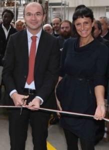 La presidente di Fcr Annalisa Rabitti con il sindaco di Reggio Emilia Luca Vecchi