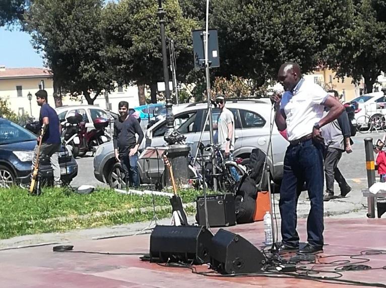 senegalesi piazza poggi