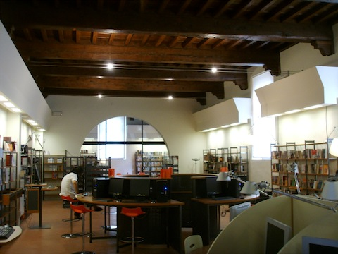 Biblioteca_delle_oblate_02.JPG