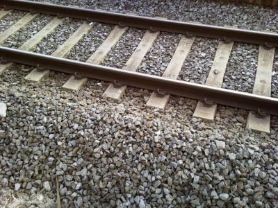 Binari-treno.jpg