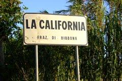 [Immagine: La_California_frazione_di_Bibbona.jpg]