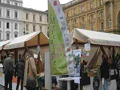 Mercatale_di_firenze_piazza_repubblica.jpg