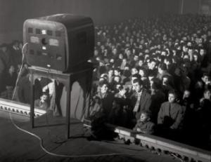 Televisione_in_cinema_per_Lascia_o_Raddoppia.jpg