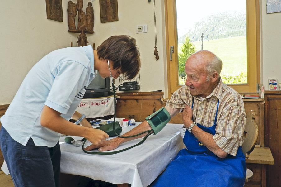 assistenza-disabili-anziani.jpg