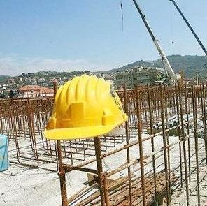cantiere_casco_lavoro.jpg