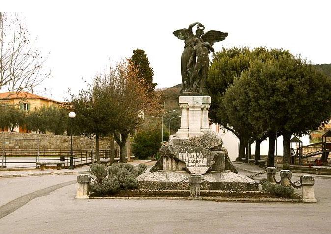 monumento_ai_caduti.jpg