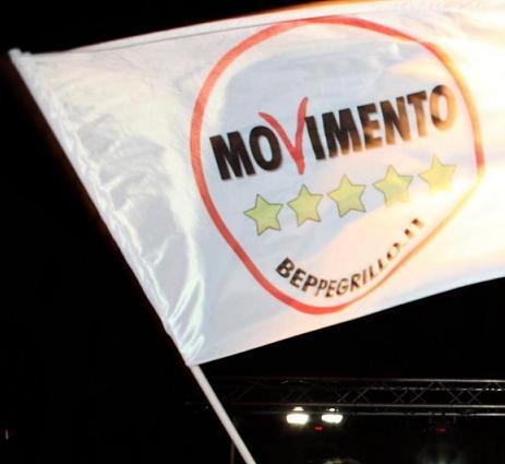 movimento_5_stelle_bandiera.jpg