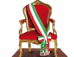 poltrona_sindaco_con_fascia_tricolore_-_Copia.jpg