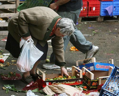 povertà_anziani.jpg