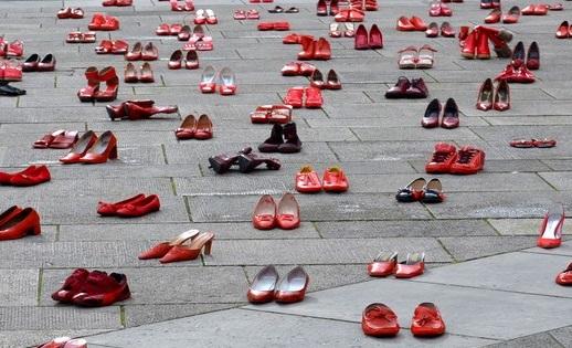 scarpe_rosse_-_Copia_-_Copia.jpg