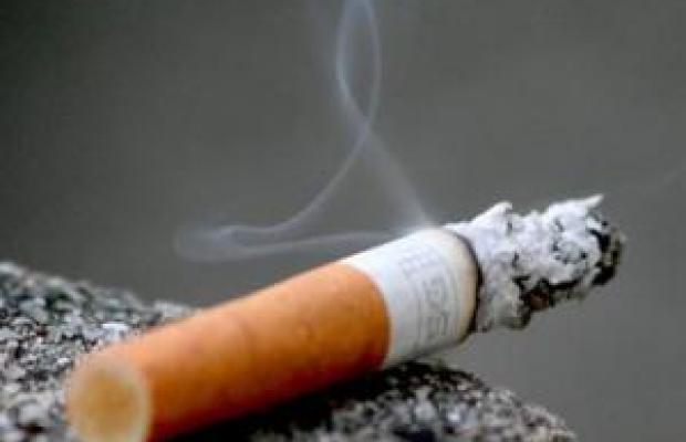 sigaretta_che_brucia.jpg