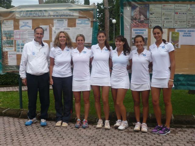 tennis_prato_ale_Serie_A1F._con_capitani.jpg