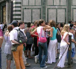 turisti_a_firenze_1.jpg