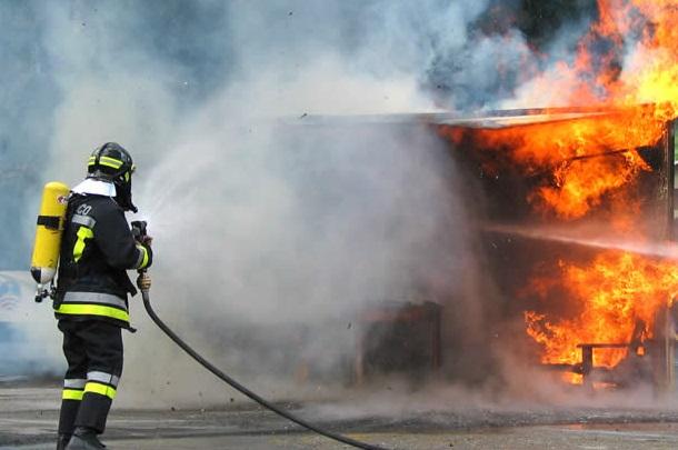 vigili_fuoco_incendio_-_Copia.jpg