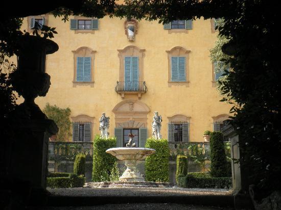 villa-la-pietra.jpg